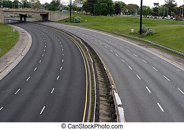 Empty Freeway - A curving freeway with no traffic on it