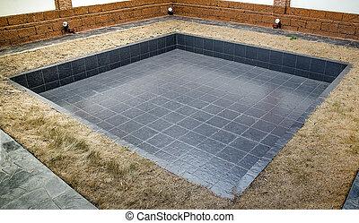 Empty of pool