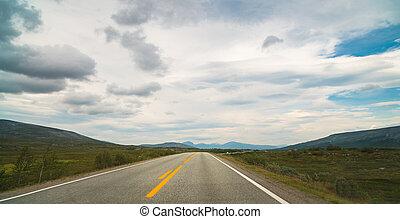 empty road in Norway