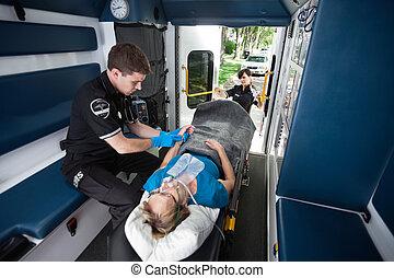 emt, 專業人員, 在, 救護車