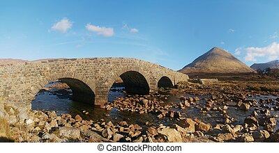 en, el, manera, a, tierras altas escocesas, springtime., viejo, vendimia, pedregoso, puente