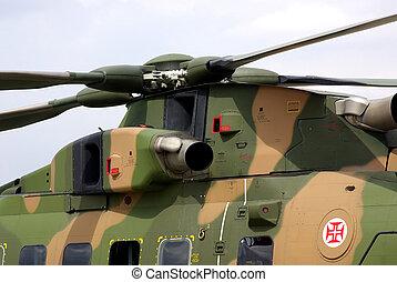 en, militær helicopter