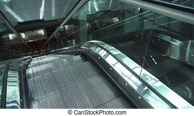 en mouvement, escalator, vide
