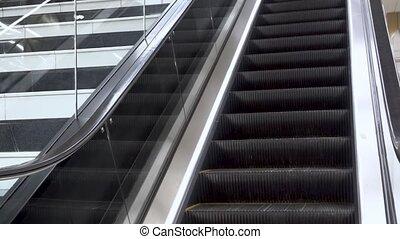 en mouvement, haut., escalator, aéroport