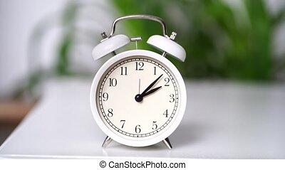 en mouvement, reveil, timelapse., cadran, blanc, horloge, fast., mains