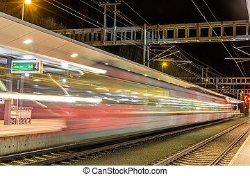 en, tog, afrejs, af, feldkirch, station, -, østrig