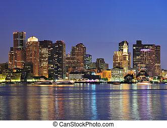 en ville, boston, crépuscule