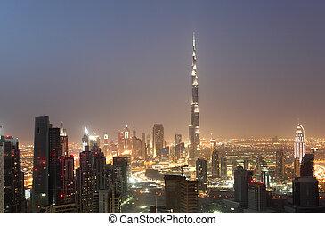 en ville, dubai, émirats arabes unis, nuit
