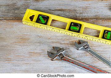 encanamento, ferramentas, composição, de, bronze, cano, conectores, ligado, tábua madeira