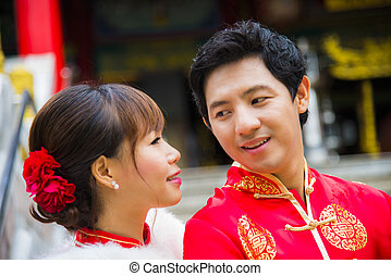 encantador, chinês, par, paleto, qipao, templo
