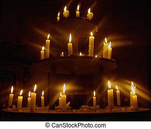 encendió la vela, araña de luces