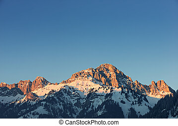encendido, naranja, pico de la montaña, en, ocaso, en, tirol, alpes