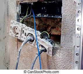 enchufe, reparación, eléctrico, mejoramiento de las condiciones del hogar
