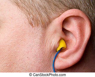 enchufes, oreja