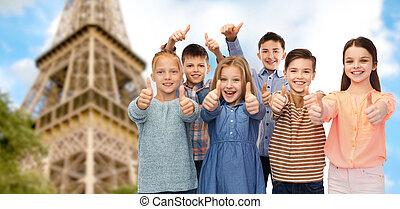 encima, actuación, eiffel, arriba, pulgares, torre, niños, feliz