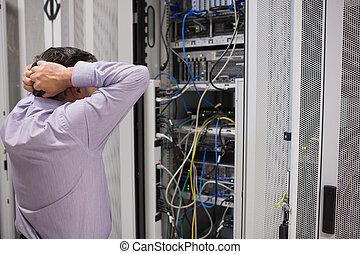 encima, técnico, sentimiento, frustrado, servidores