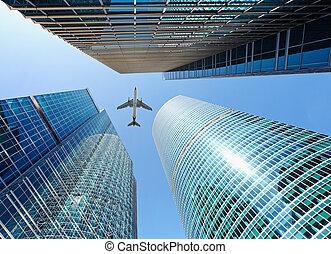 encima, vuelo, airliner, rascacielos
