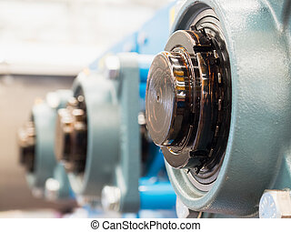 End of drive shafts with bearings - Ends of lubricated drive...