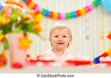 enduit, célébrer, anniversaire, bébé, portrait, manger, premier