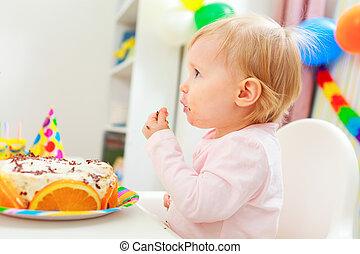 enduit, manger, gâteau anniversaire, manger, gosse