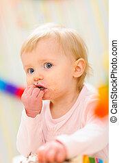 enduit, portrait, manger, bébé