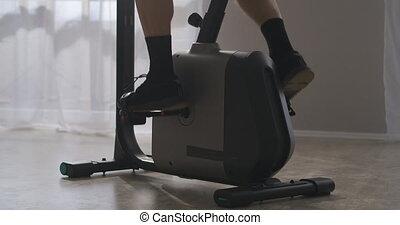 endurance, vélo, homme, formation force, pédales, pieds, wellness, rotation, closeup, fitness, maison