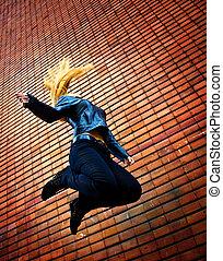energic, femme, jeune, sauter