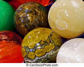 Energy stones polished in round shape