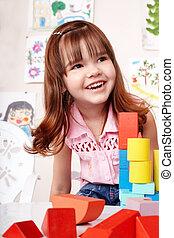 enfant, à, bloc, et, ensemble construction, dans, jeu, room.