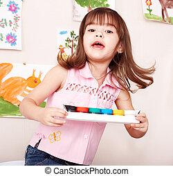enfant, à, peinture, dans, classe art, .