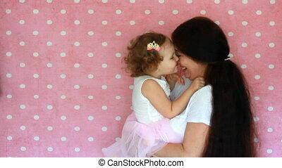 enfant, étreinte, love., daughter., motherhood., maman, jeu mère, baiser