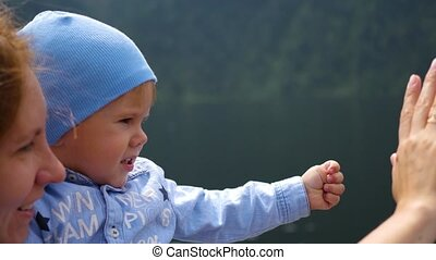 enfant, enseigne, geste, revoir, mère