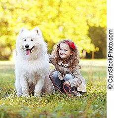 enfant, ensoleillé, chien, avoir, chaud, dehors, amusement, jour
