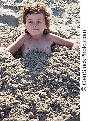 enfant, enterré, dans sable