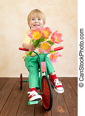 enfant, fleurs avoirs, bouquet, rigolote