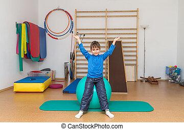 enfant, gymnase, exercices, thérapeutique