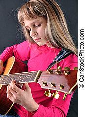 enfant joue, guitare