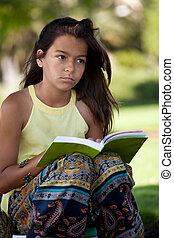 enfant, lecture livre, à, les, parc