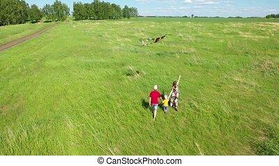 enfant, voler, amour, famille, countryside., avoir, weekend., amusement, course, serpent