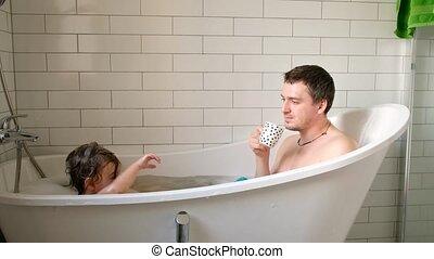 enfants, bain, prendre, père