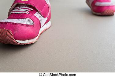 enfants, marche, dans, chaussures sport