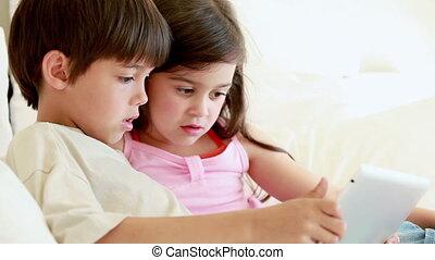 enfants, tenue, sourire, tablette, informatique