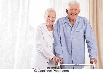 enfermeira, ajudando, paciente