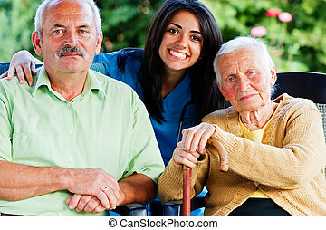 enfermeira, com, pessoas anciãs