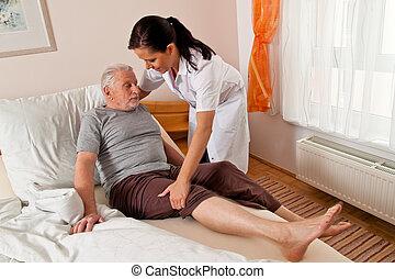 enfermeira, em, envelhecido, cuidado
