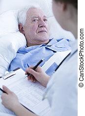 enfermeira, entrevistar, idoso, paciente