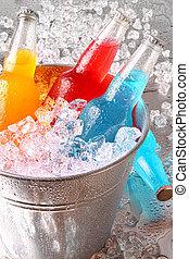 enfriador, botellas, hielo, bebidas