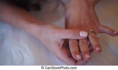 engagement, main, anneau, mariée