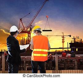 engenharia, homem, trabalhando, em, construção edifício,...