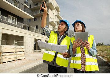 engenheiros, trabalhar, local construção